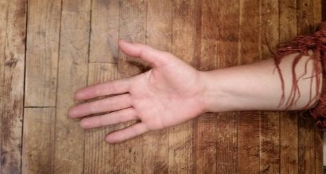 handacrosstable1